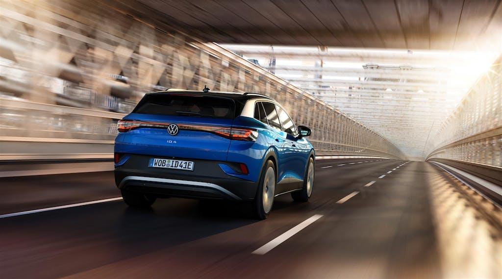 Volkswagen ID.4 contro Tesla Model Y e gli altri SUV elettrici