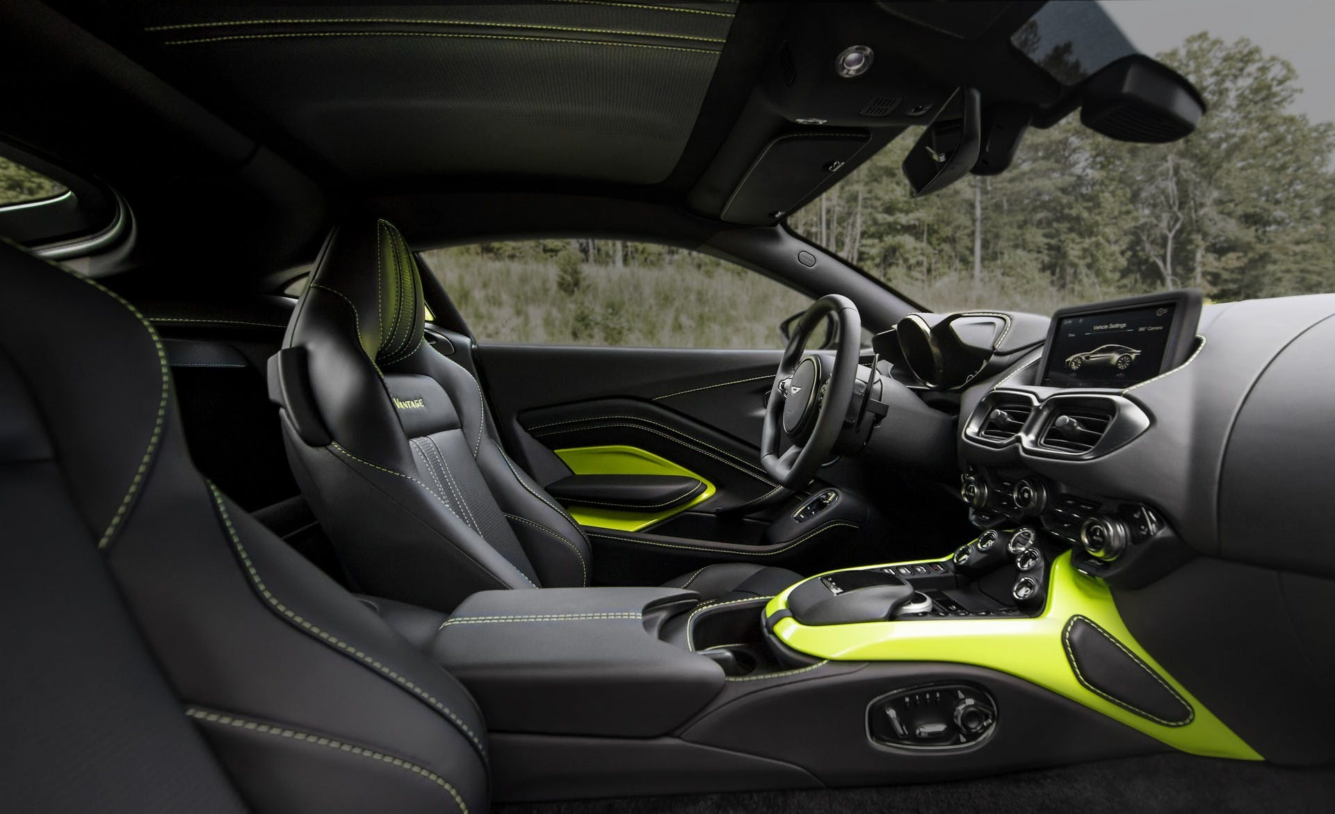 Aston Martin Vantage V8 MY18 interni