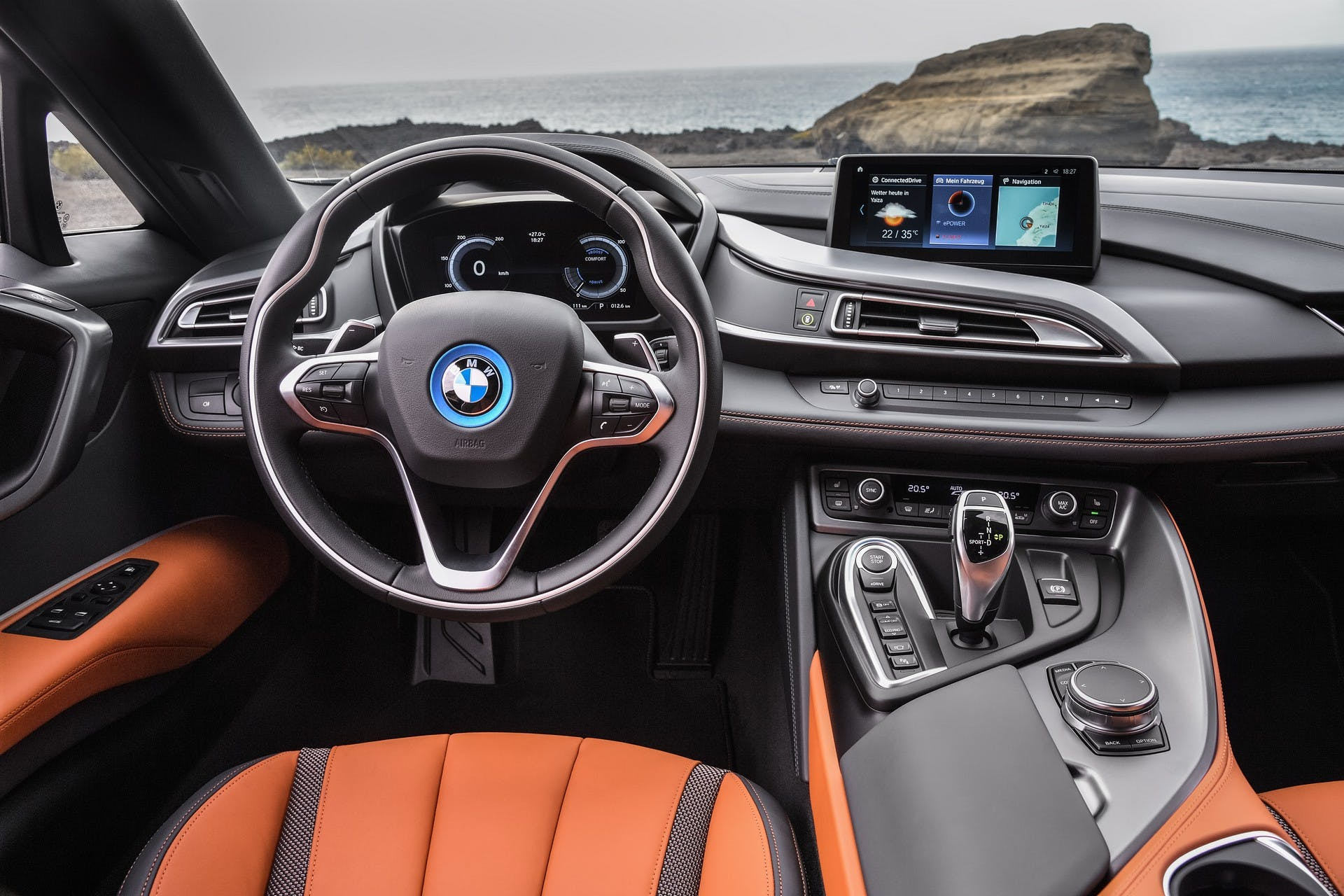 BMW i8 Roadster 2018 interni