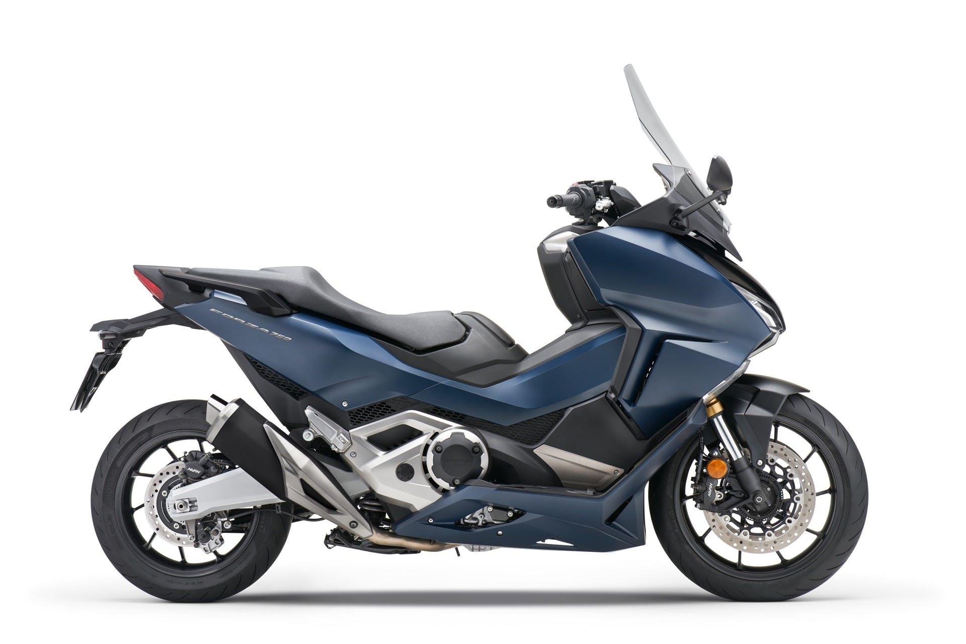 HONDA FORZA 750 blu