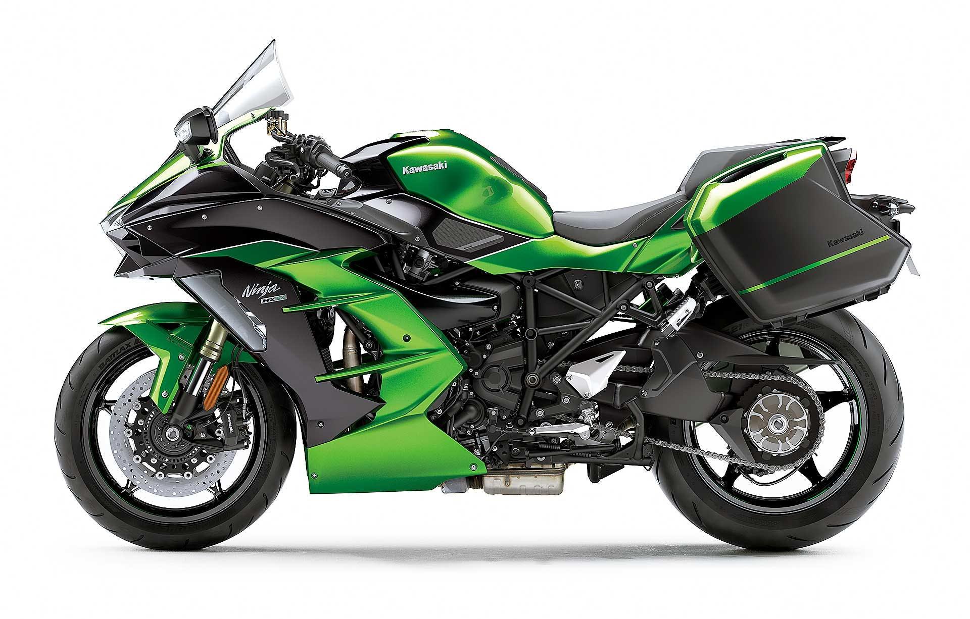 Kawasaki Ninja H2 SX laterale su sfondo biacno