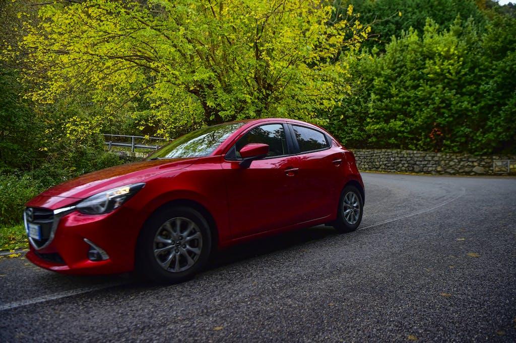 Prova Mazda2 1,5L 90 cv
