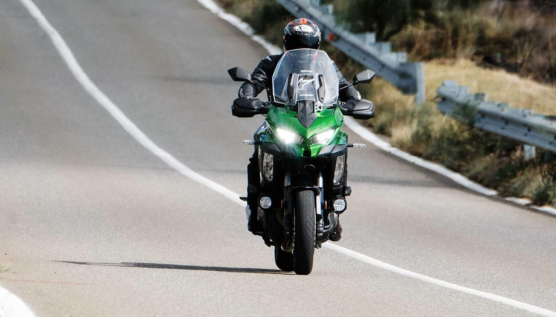 Kawasaki Versys 1000 Metzeler Roadtec R01 SE