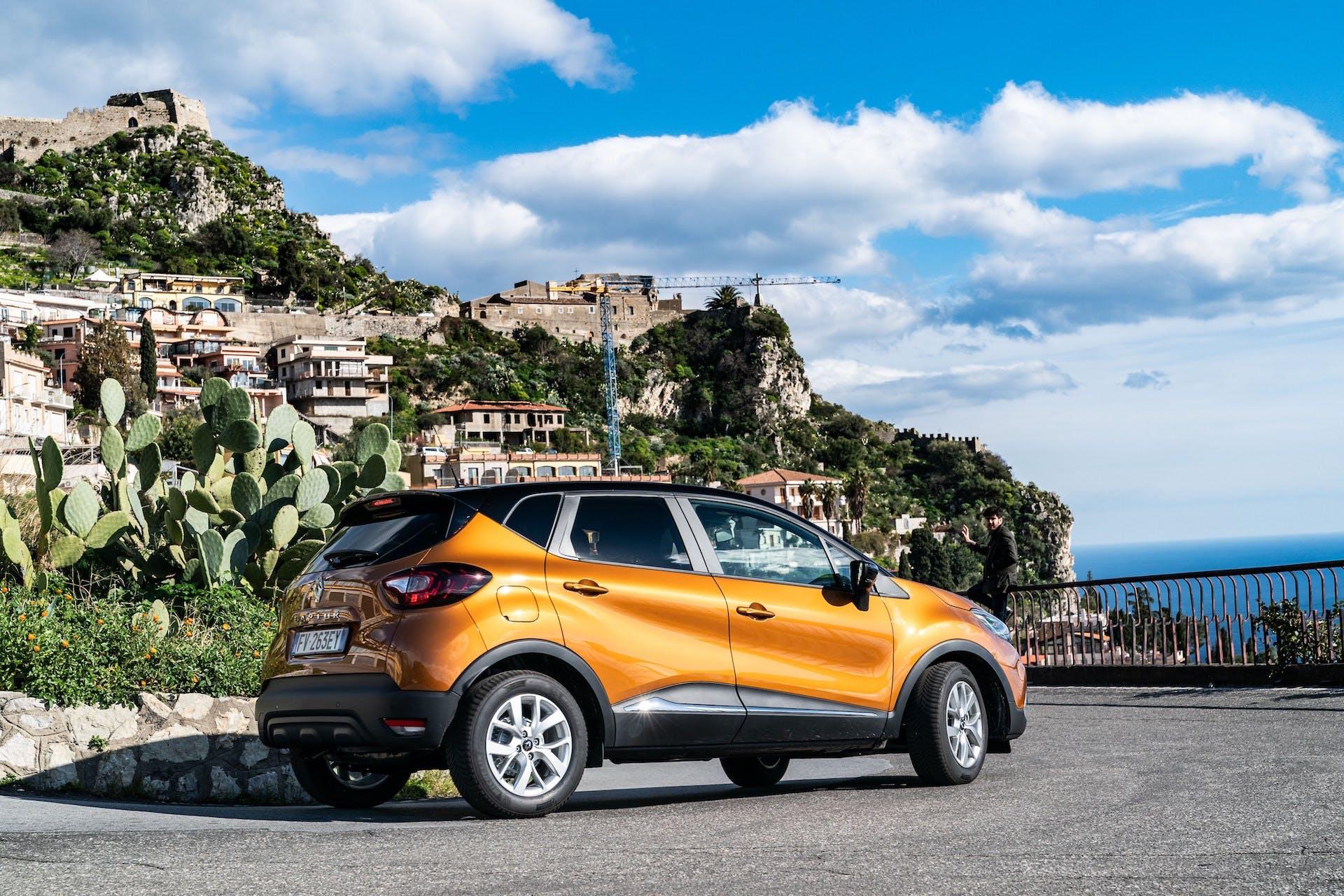 Renault Captur 2019, 3/4 posteriore Taormina