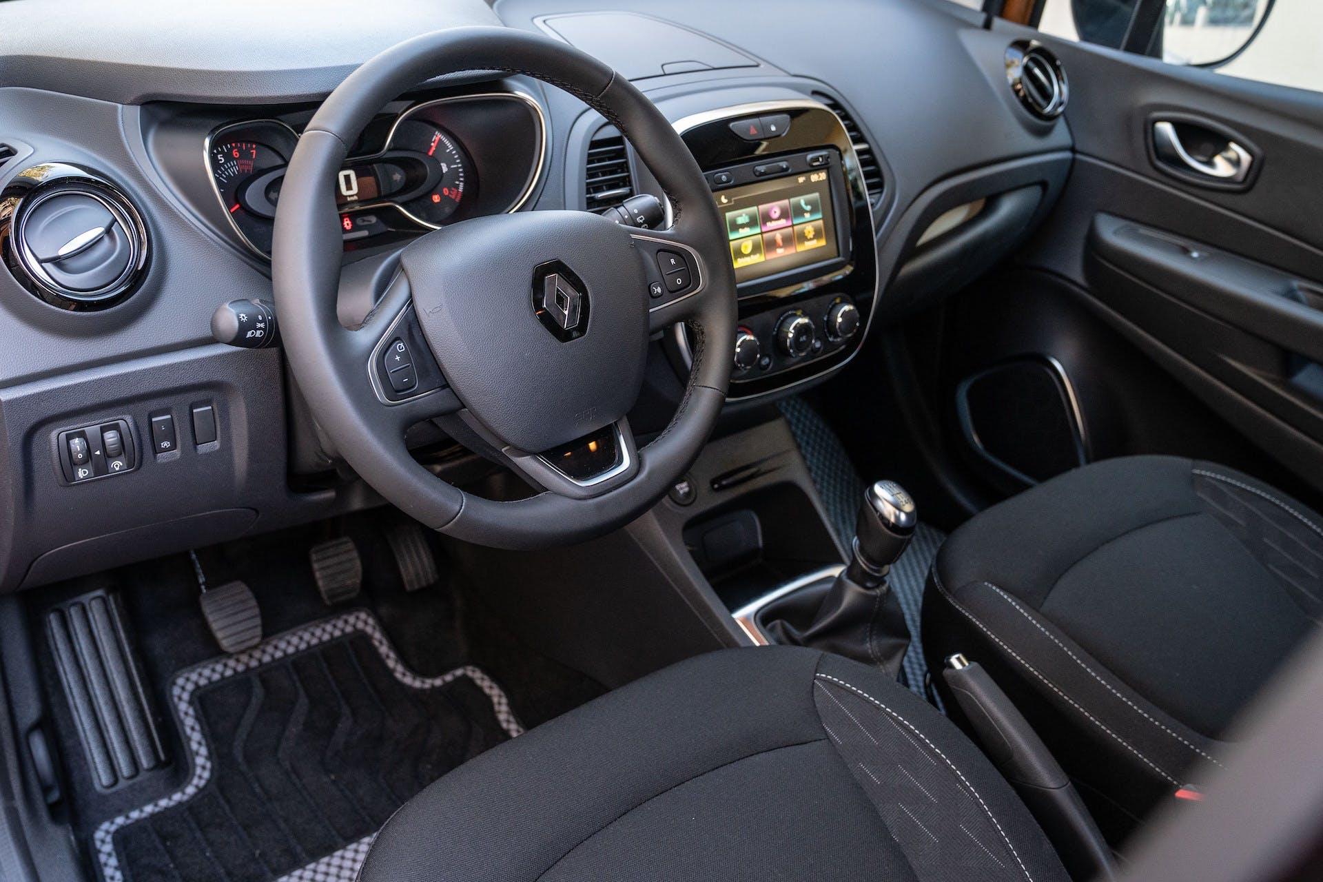 Renault Captur 2019 posto guida