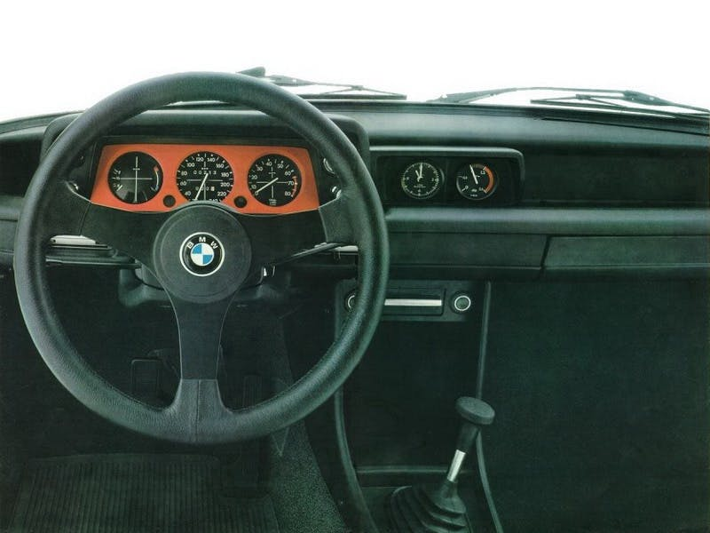 BMW 2002 Turbo plancia