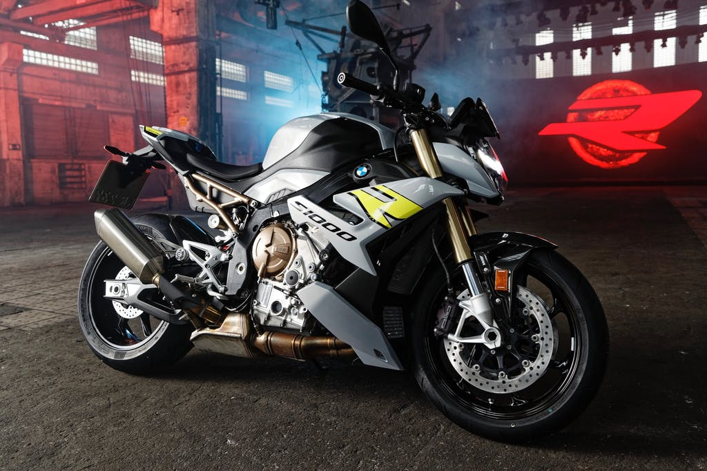 BMW S 1000 R 2021, nuda e tutta muscoli