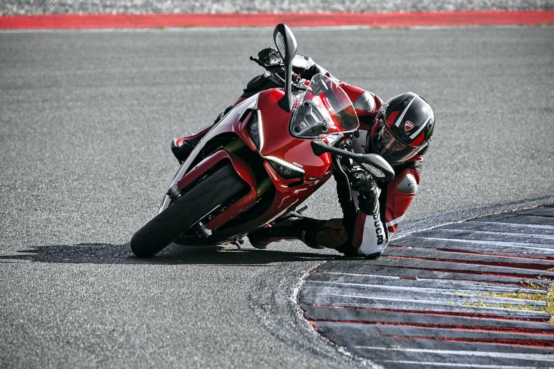 Ducati Supersport 950 2021 migliori moto per neopatentati A2