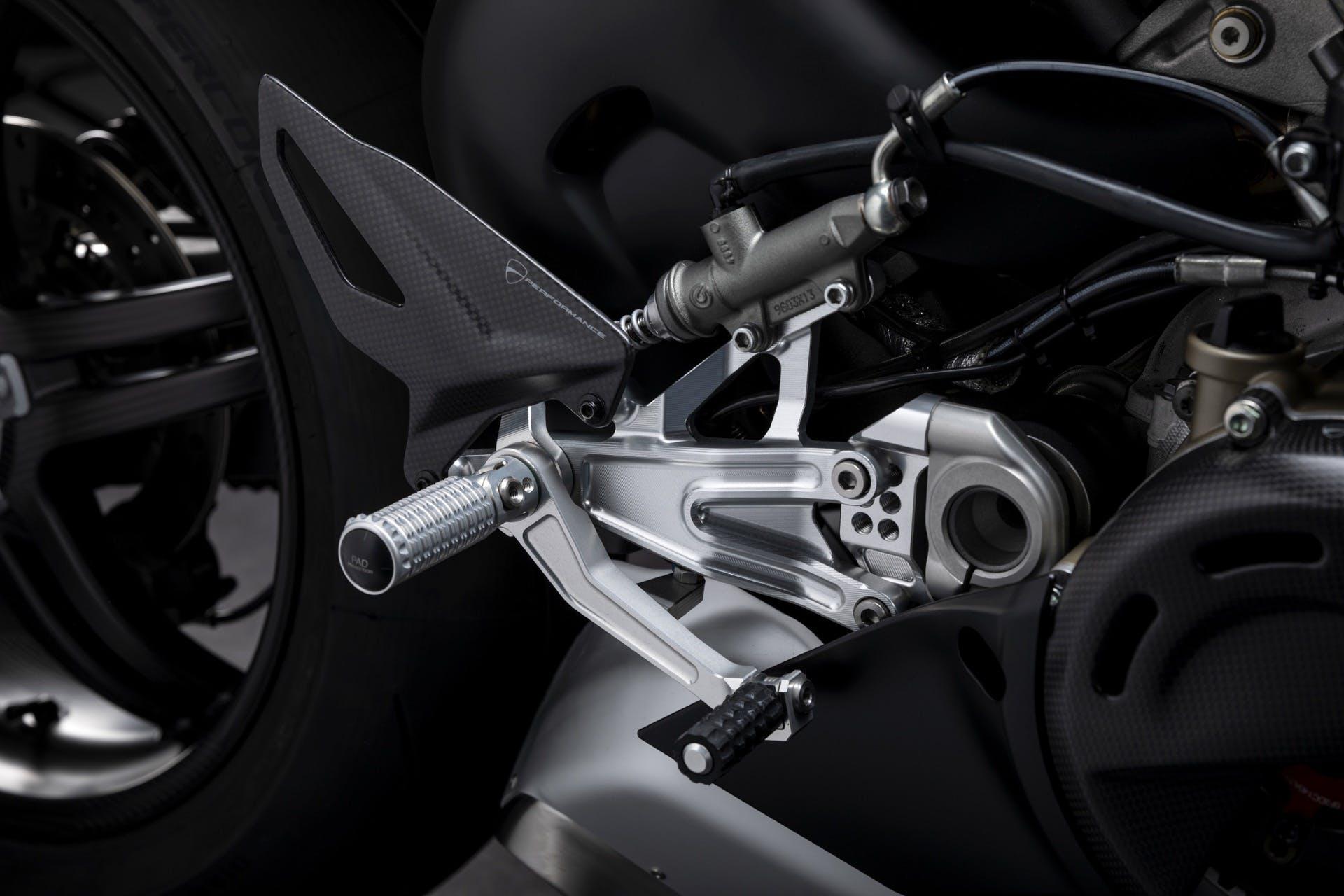 Ducati Panigale V4 SP pedane Rizoma