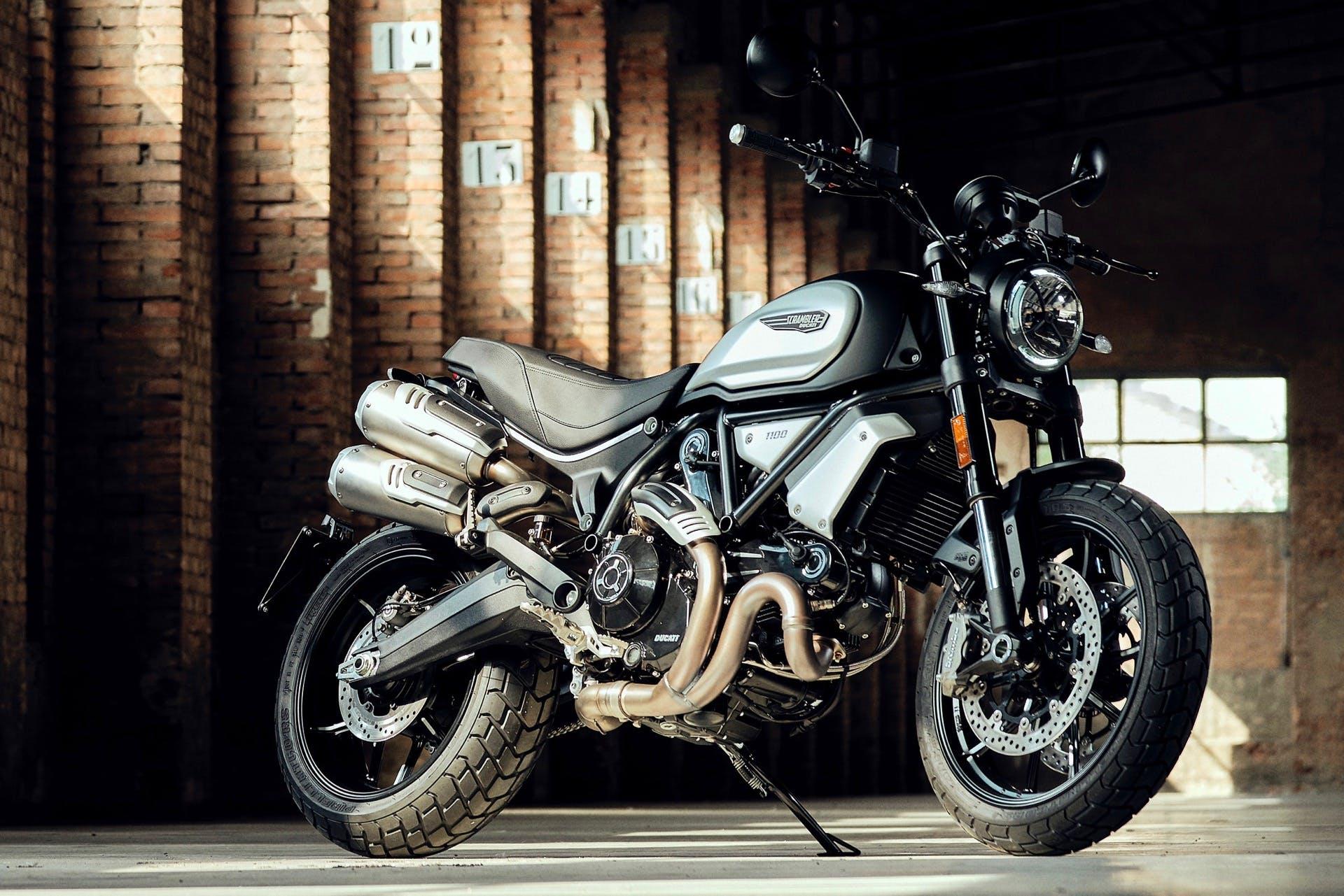 Ducati Scrambler Dark Pro 1100 tre quarti anteriore