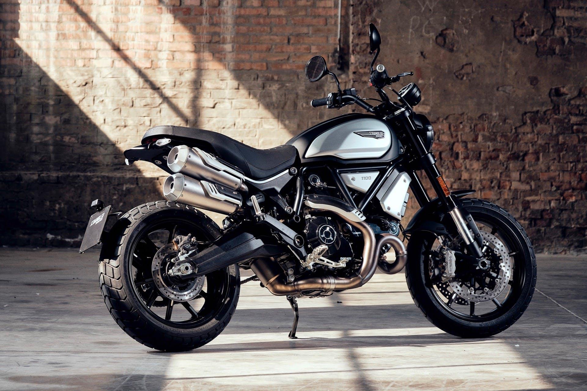 Ducati Scrambler Dark Pro 1100 tre quarti posteriore