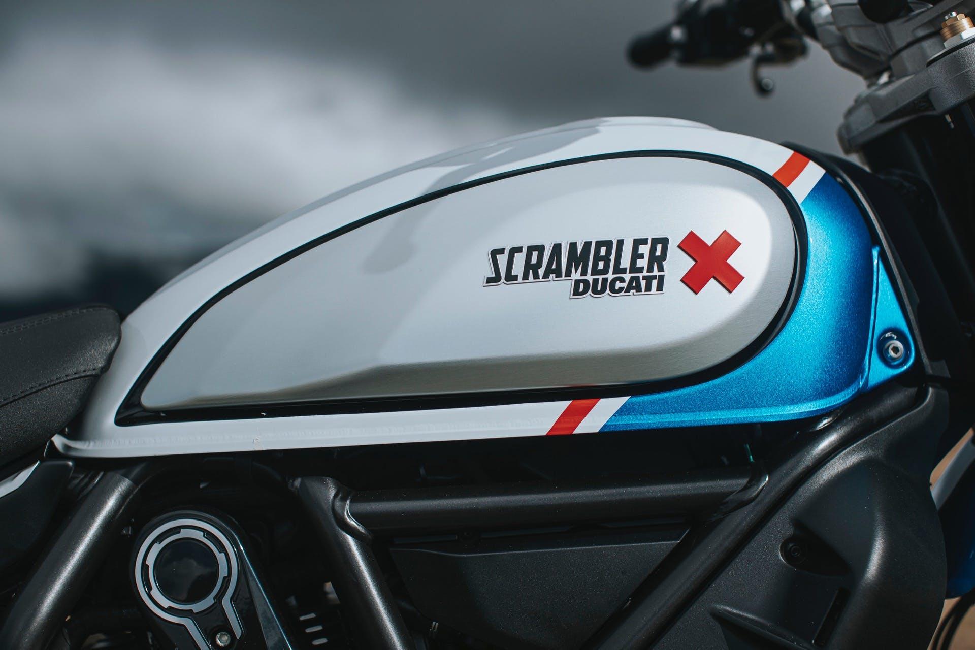 Ducati Scrambler Desert Sled 2021 serbatoio