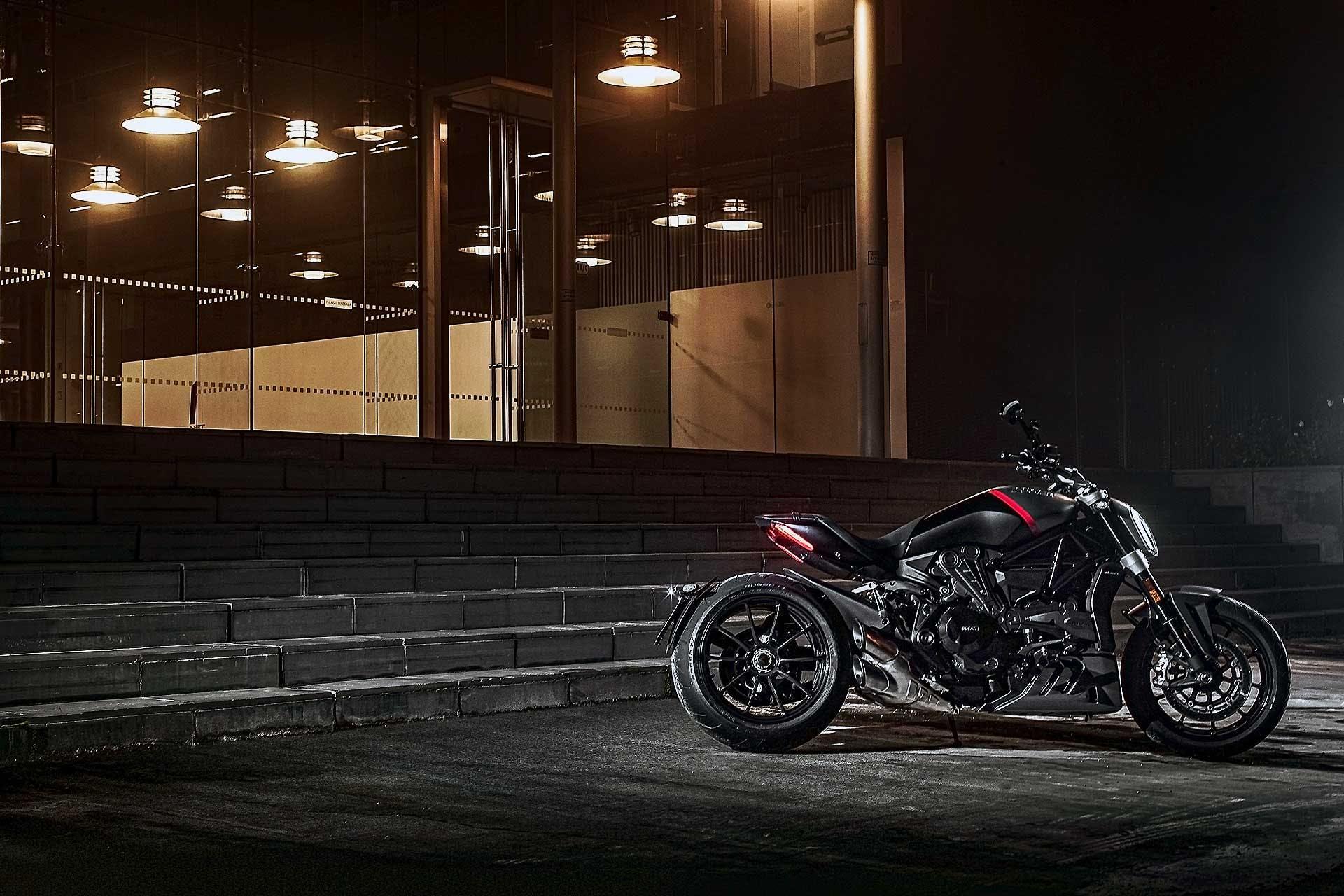 Ducati XDiavel Black Star 2021