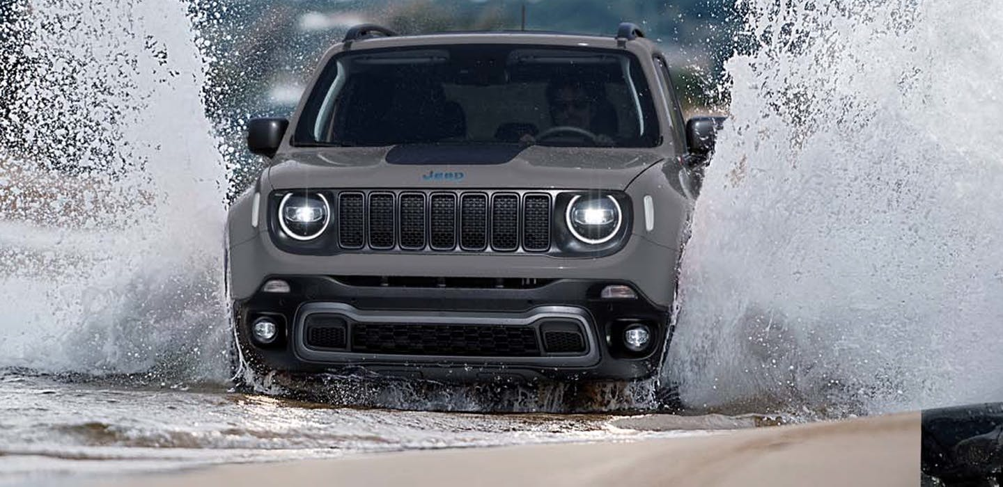 Jeep Renegade 4xe - front