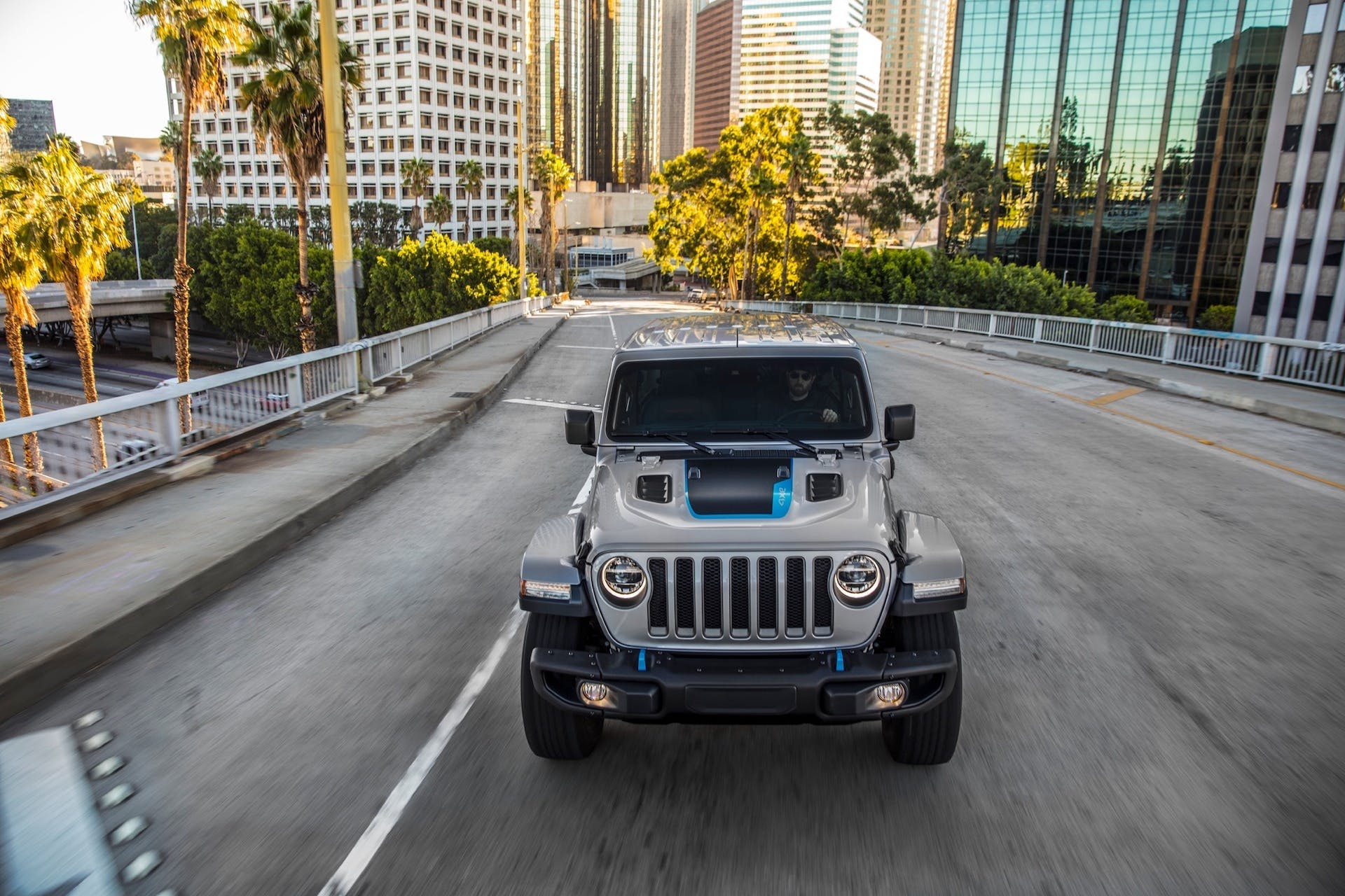 Jeep Wrangler 4xe - front