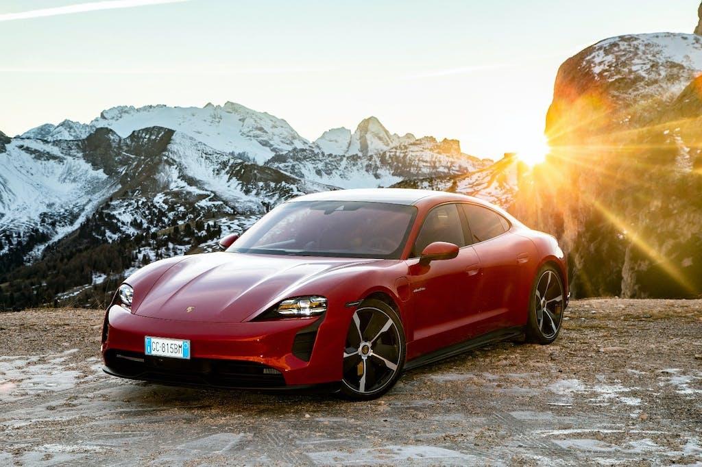 Porsche Taycan 4S, è una vera Porsche? La prova