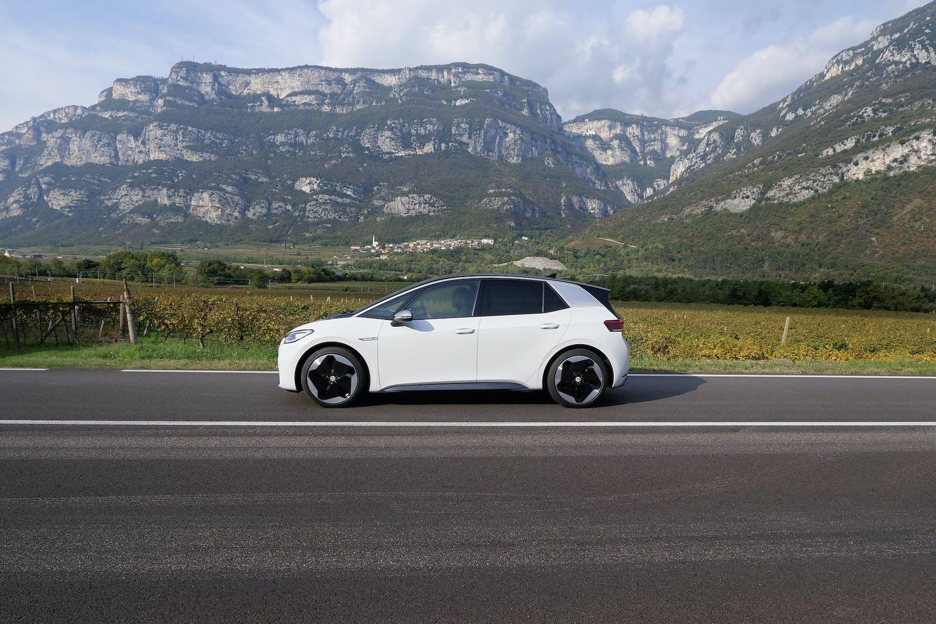 Volkswagen ID3 vista laterale
