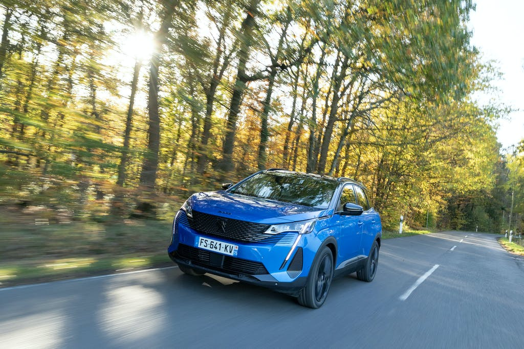 Prova Peugeot 3008 restyling ibrida Plug-in