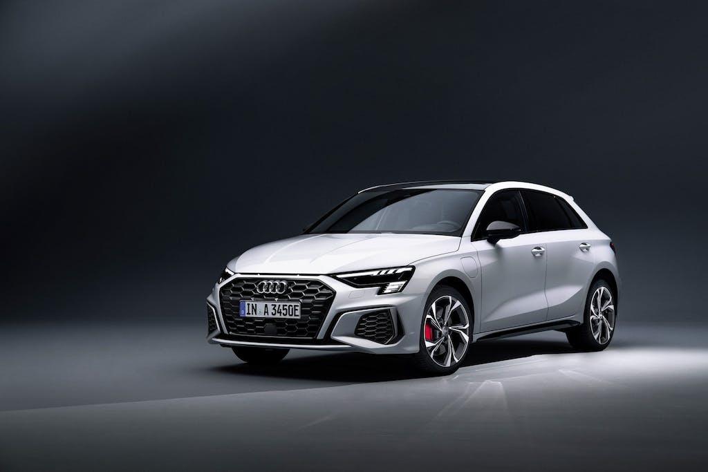 Audi A3 e Q3, ecco le ibride plug-in 45 TFSI e
