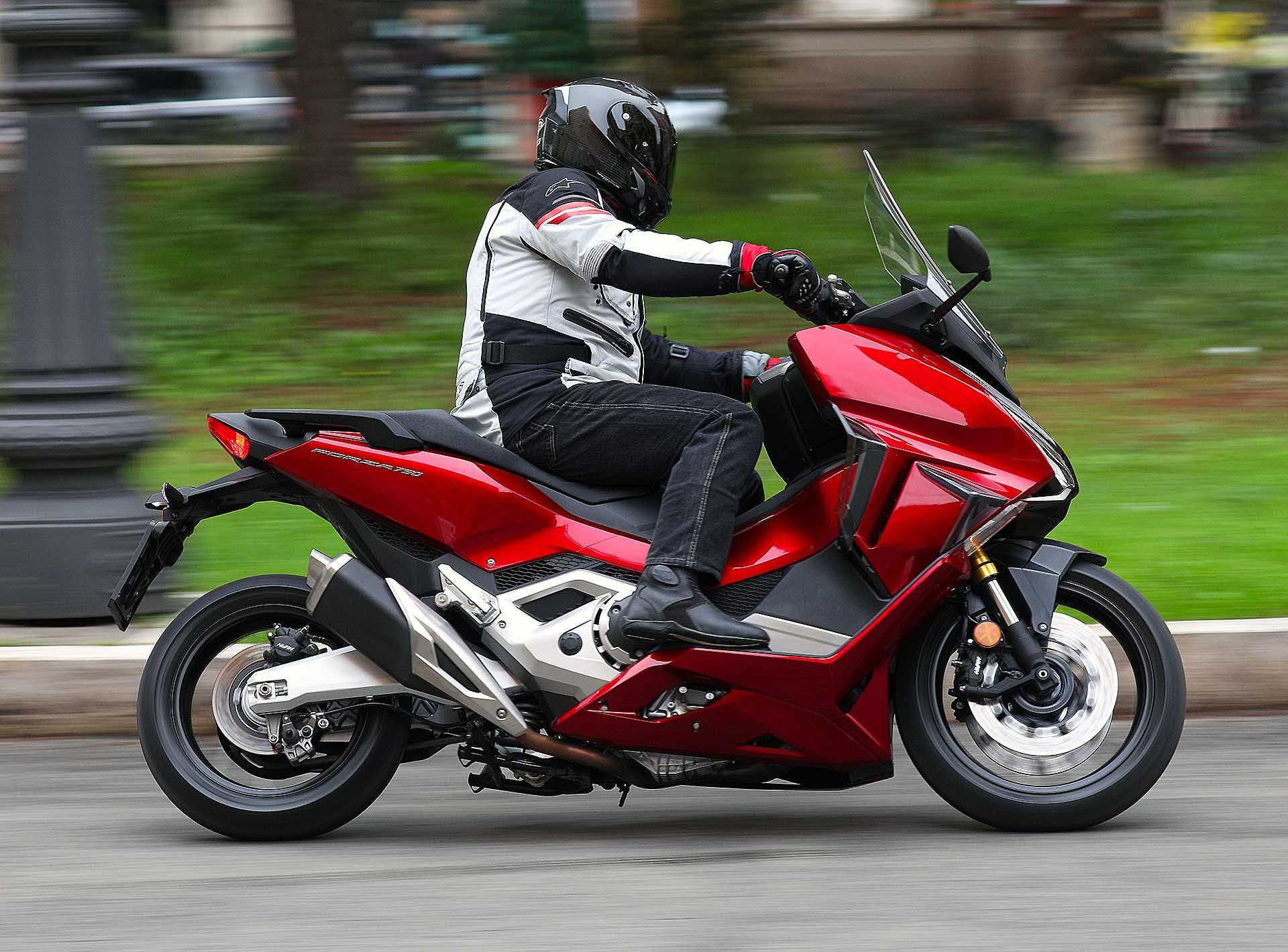 Honda Forza 750 2021 Migliori maxi scooter