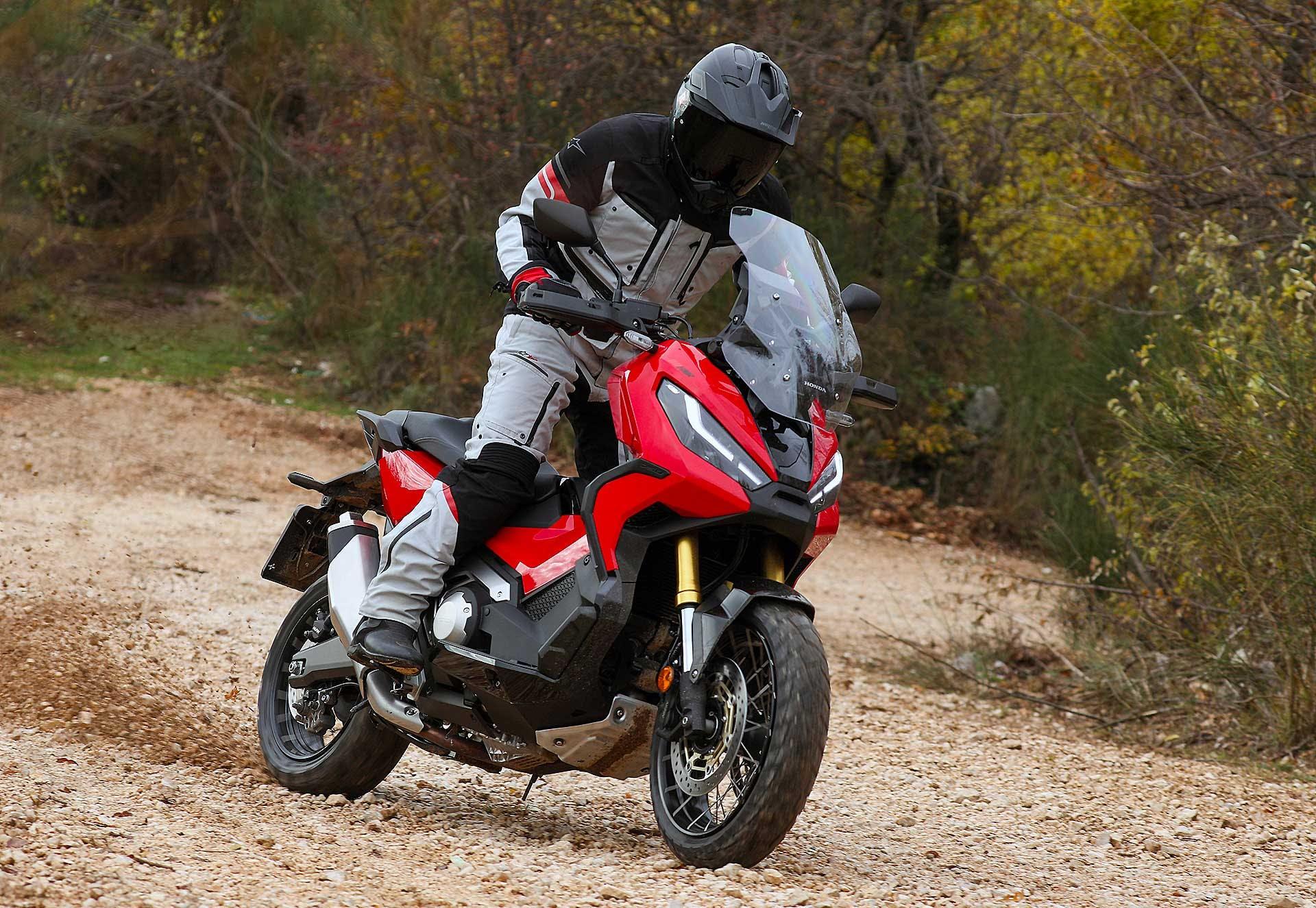 Honda X-ADV 2021 migliori moto per neopatentati A2