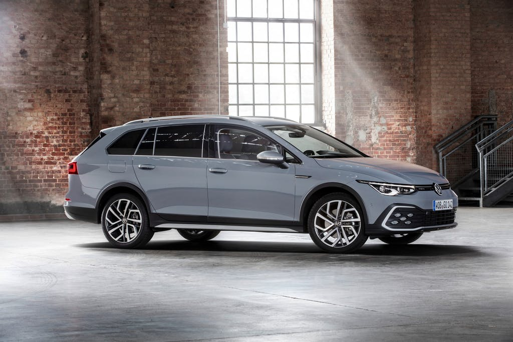 Volkswagen Golf Alltrack: non ha paura di sporcarsi le ruote