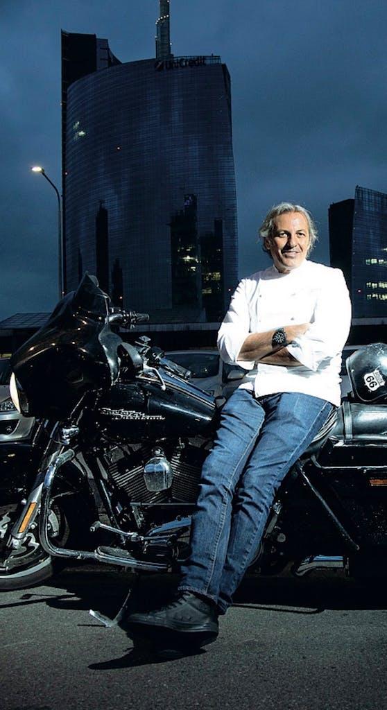 Filippo La Mantia chef e motociclista su Harley-Davidson