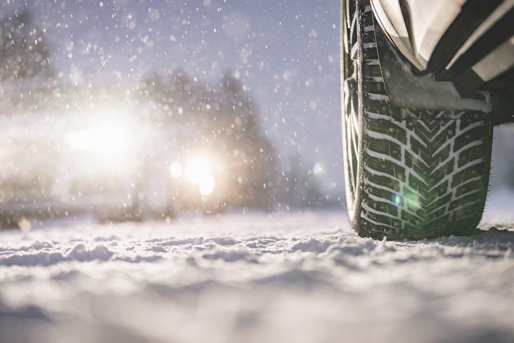 Gomme chiodate: Nokian Hakkapeliitta 10 sfidano ghiaccio e neve