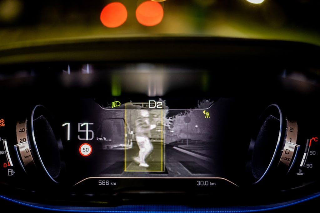 Peugeot Night Vision, illumina la notte
