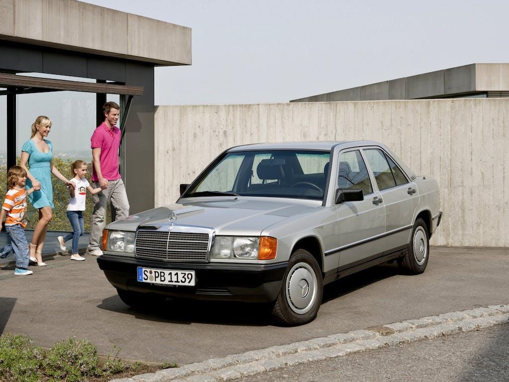 """Mercedes 190, la prima """"piccola"""" della Stella"""