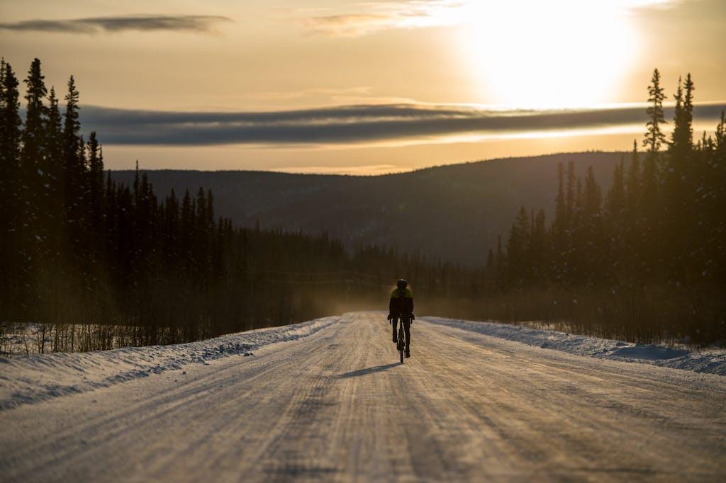 in bici nell'Artico Omar Di Felice