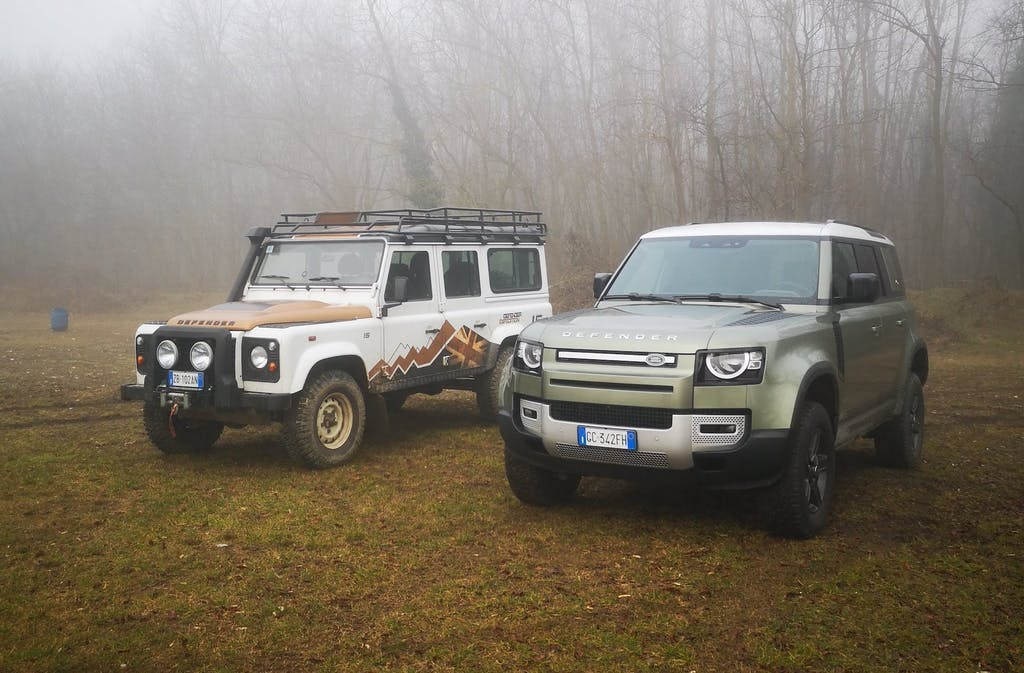 Land Rover Defender, nuovo e vecchio a confronto – Prova