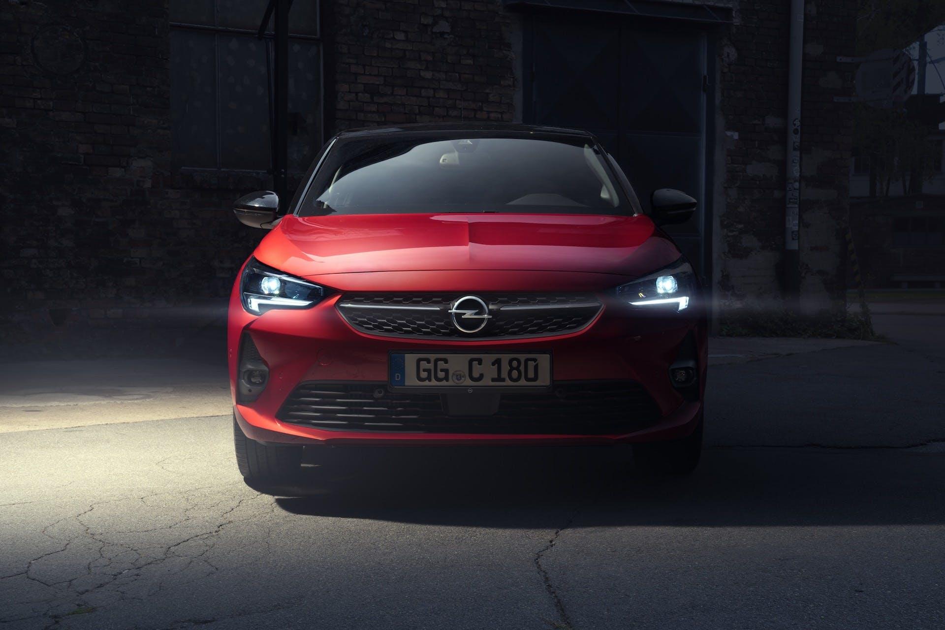 Opel-Corsa-fari-led-matrix-intellilux