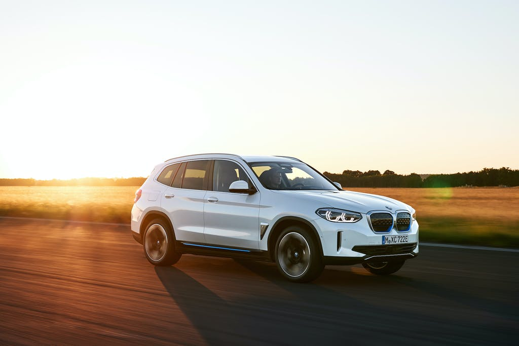 BMW iX3, SUV ed elettrico, ma BMW nell'anima