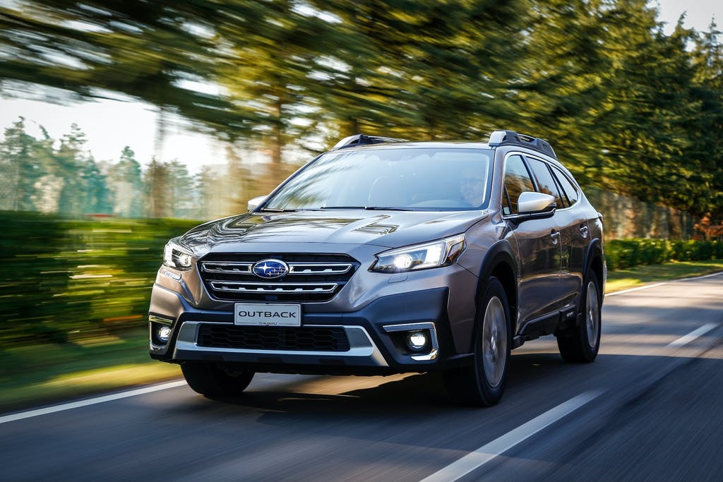 Subaru-Outback-MY21-esterno-frontale