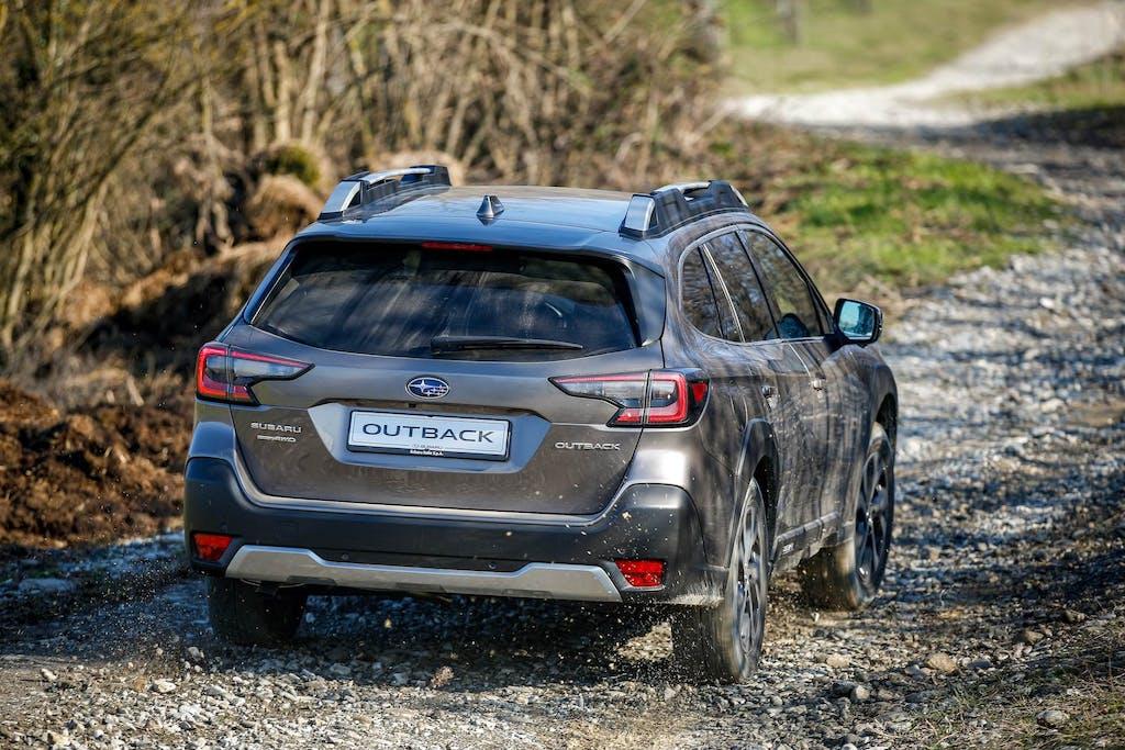 Subaru-Outback-MY21-rear-offroad