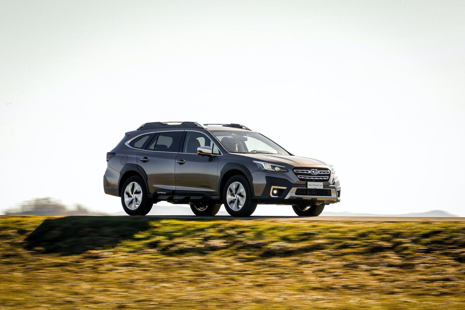 Subaru-Outback-My21-laterale
