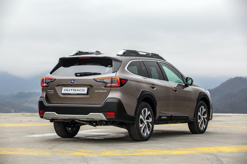 Subaru-Outback-My21-rear