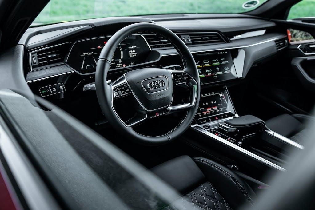 Audi e-tron S Sportback plancia