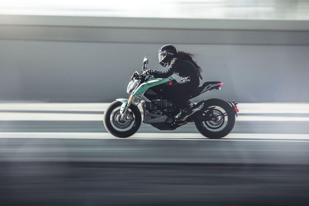 Zero Motorcycles SR/F 2020, il Rapid Charger è incluso