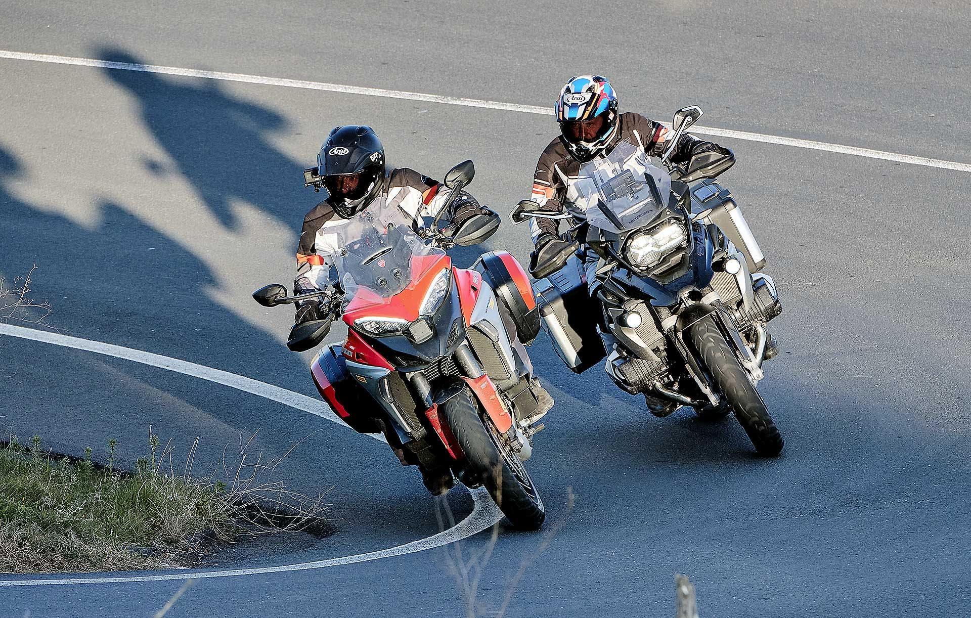 Ducati Multistrada V4S 2021 confronto BMW R 1250 GS