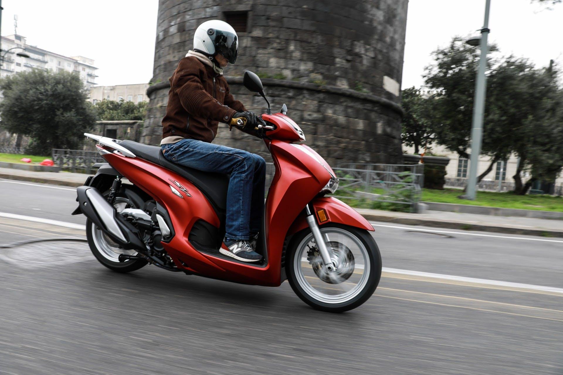 Honda SH350i migliori scooter a ruota alta