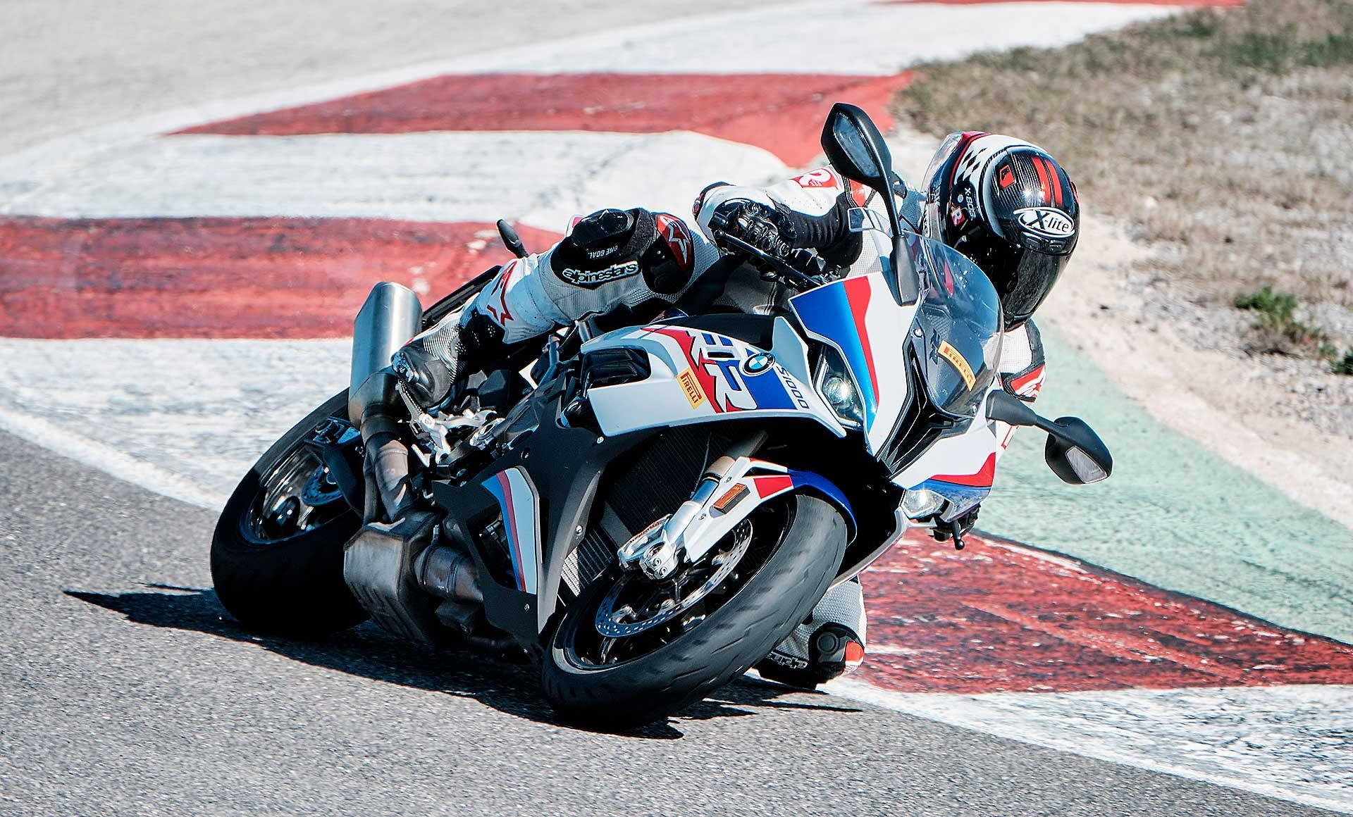 Pirelli Diablo Rosso IV in azione in pista con BMW S 1000 RR