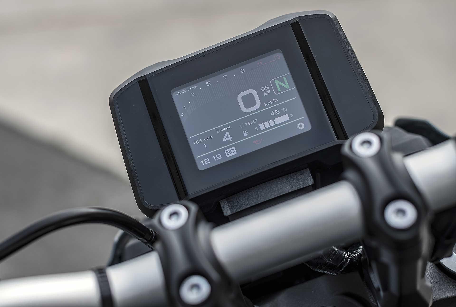 Yamaha MT-09 2021 cruscotto TFT