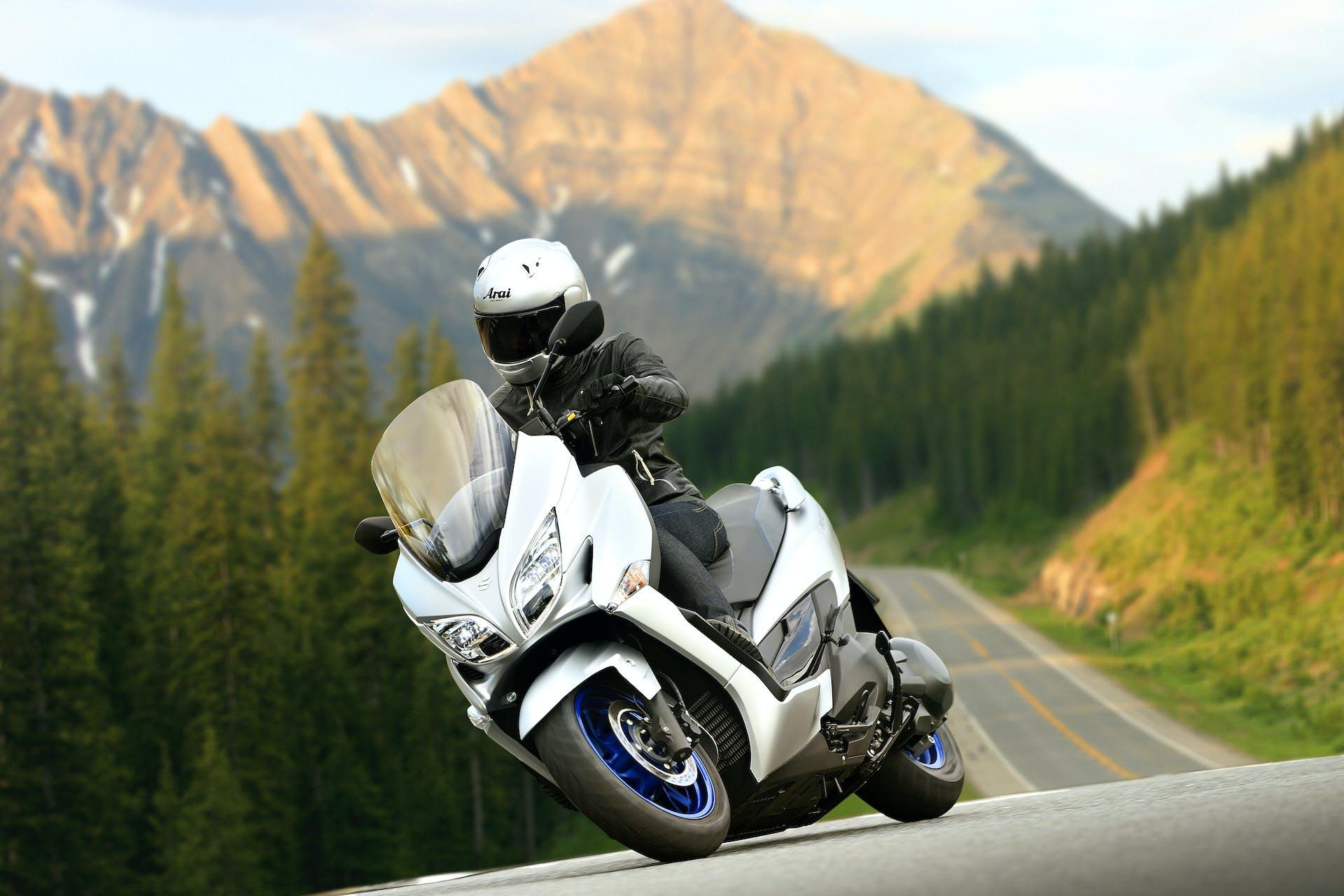 nuovo Suzuki Burgman 400 migliori scooter 300-350-400