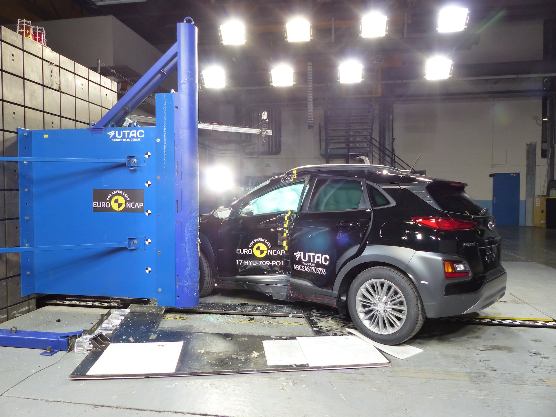 hyundai kona restyling crash test