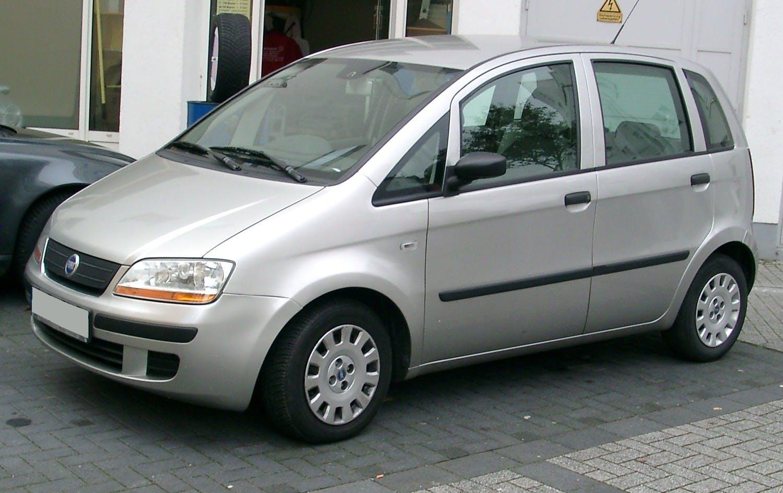 Fiat Idea - tre quarti frontale