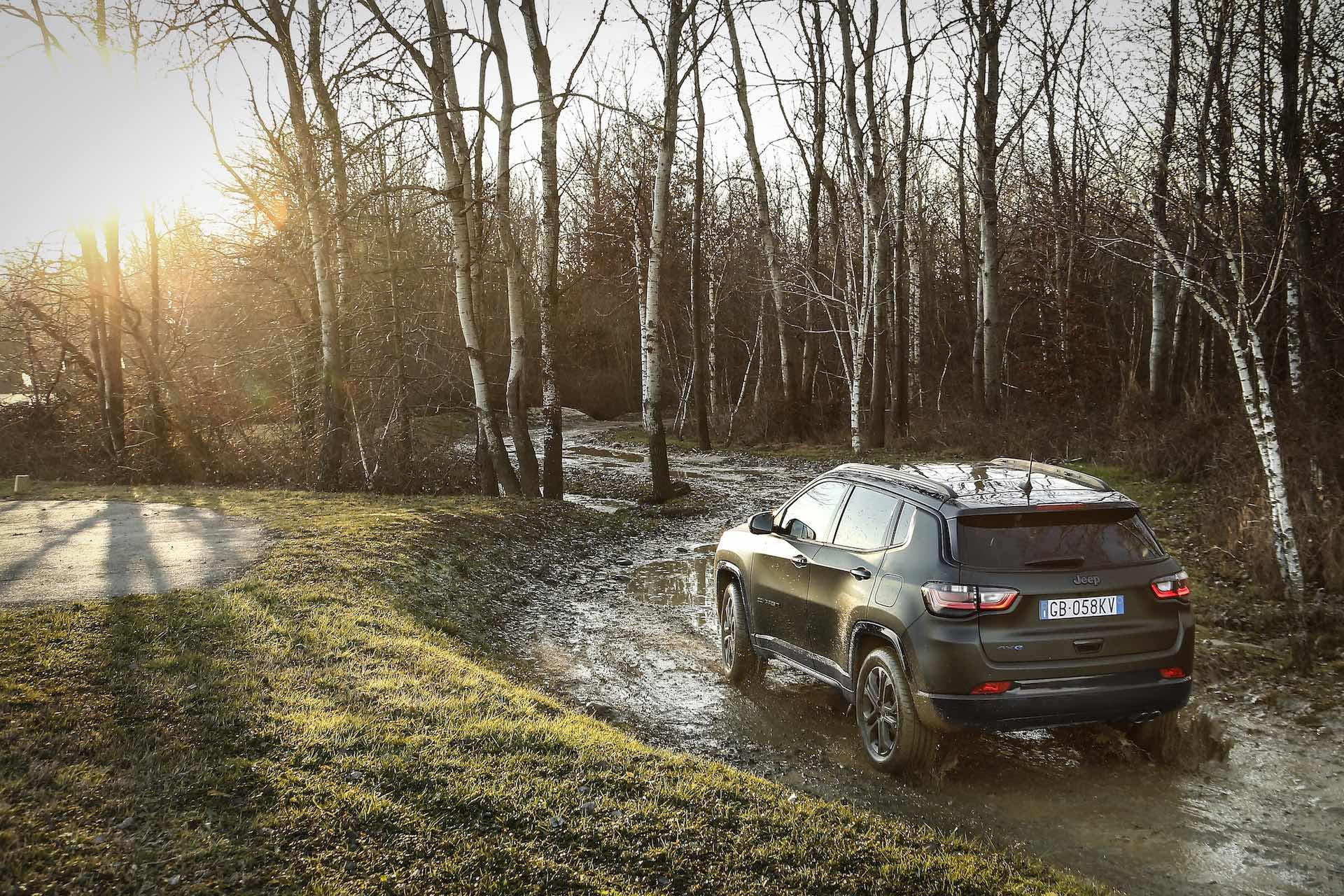 Jeep Compass 80th Anniversary 4xe - offroad