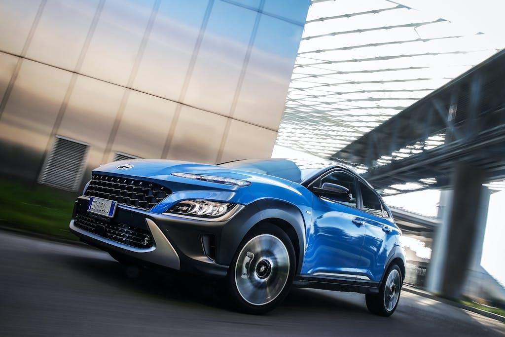 Hyundai Kona 2021, la prova su strada della 1.0 mild hybrid