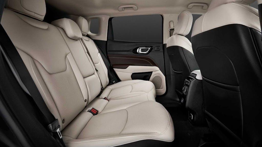 nuova jeep-compass-restyling sedili posteriori